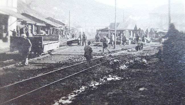 Yıl 1921...Şimdinin en işlek yeri eskiden böyleydi...