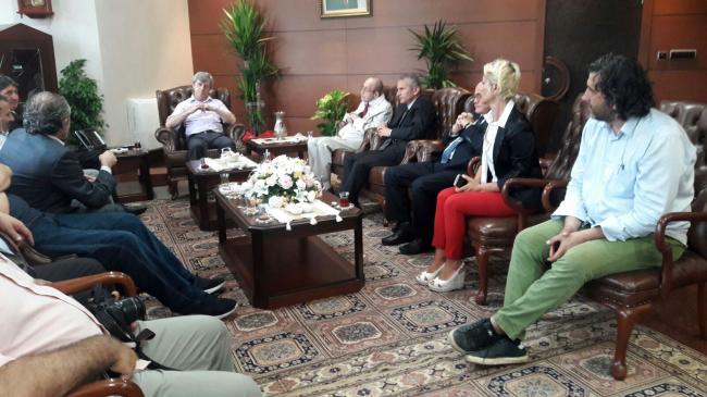 Gazetecilerden Vali Çınar'a ziyaret...