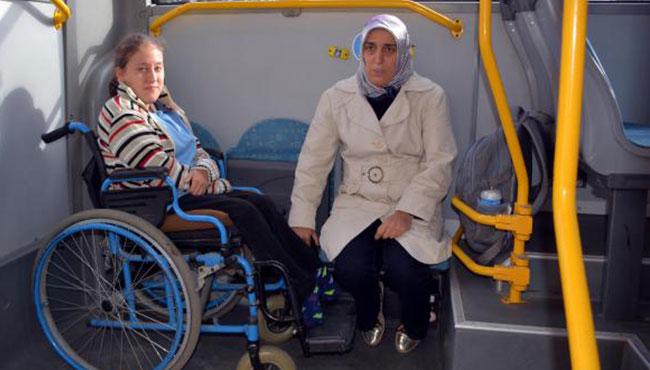 Liseli engelli Tuana'ya özel halk otobüsü...