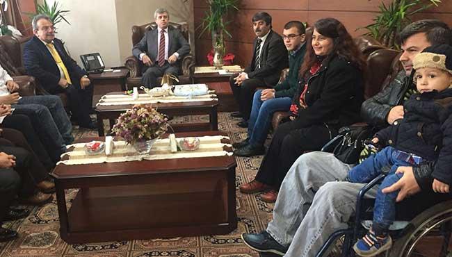 Engelliler, Vali Çınar'ı ziyaret ettiler...
