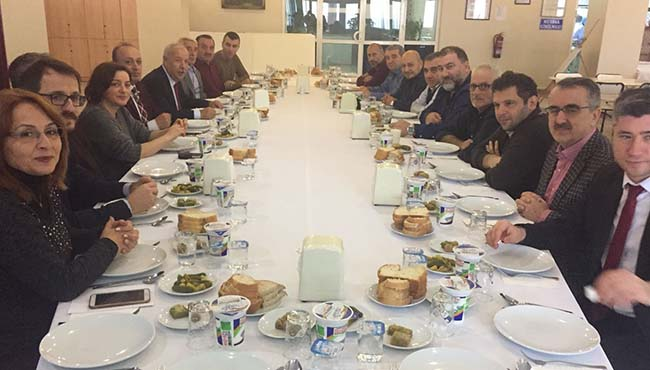 Meclis üyelerine bütçe yemeği...