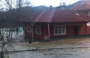 Su basan mahallede hasar tespit çalışmaları başladı...