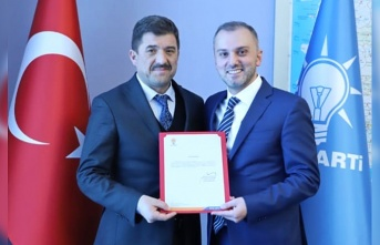 Yeni AK Parti ilçe başkanı Canbaş oldu...