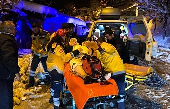 Hasta kadının imdadına paletli ambulans yetişti