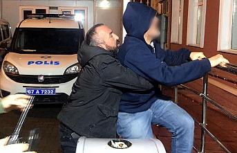 İki yaşındaki kızını rehin aldı... Gözaltına alındı...