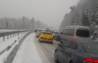 Trafik felç oldu... Yollar kapandı...