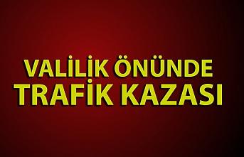 Zonguldak Valiliği önünde trafik kazası