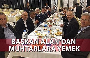 Başkan Alan'dan muhtarlara yemek