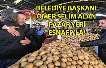 Belediye Başkanı Ömer Selim Alan pazar yeri esnafı ile kahvaltıda bir araya geldi