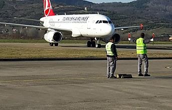 Nihayet! Yılın ilk uçağı sorunsuz indi!