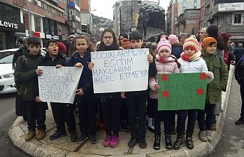 Öğrenciler okullarına geçmekte kararlılar