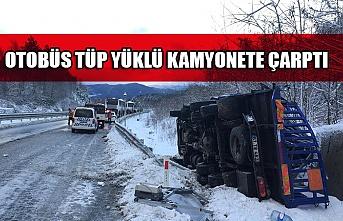 Otobüs tüp yüklü kamyonete çarptı