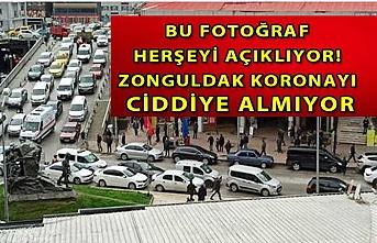 Bu fotoğraf herşeyi açıklıyor! Zonguldak koronayı ciddiye almıyor