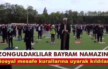 Zonguldaklıların bayram namazı yasak tanımadı...