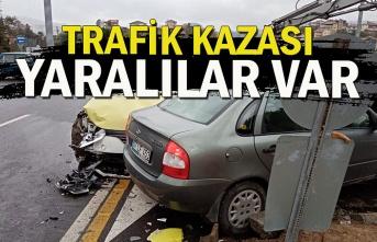 Trafik kazası yaralılar var