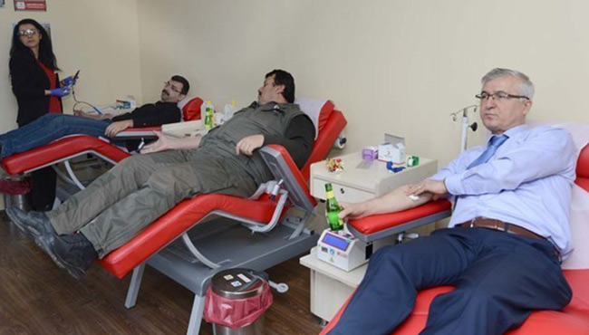 Bağışlanan her kan kurtarılan üç can...