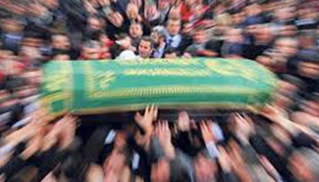 Boş tabutun cenaze namazını kıldılar...