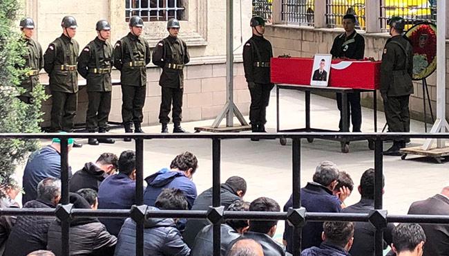 İntihar eden asker Zonguldak'ta son yolculuğuna uğurlanıyor