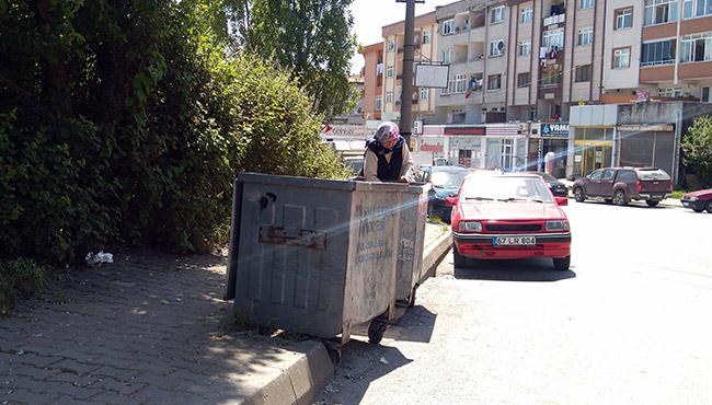 Çöpten yiyecek toplarken görüntülendi: Hikayesi yürek burktu