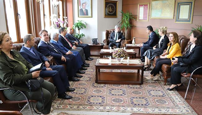 CHP, Vali Çınar'ı ziyaret etti