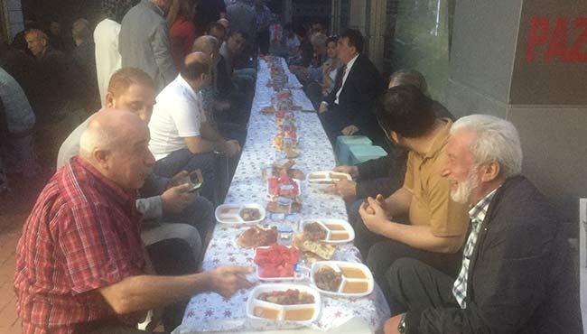 'Fikri Asım' esnafa iftar verdi