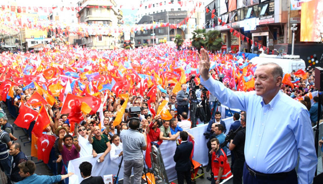 Madenci anıtı doldu taştı... Erdoğan'dan müjde üstüne müjde