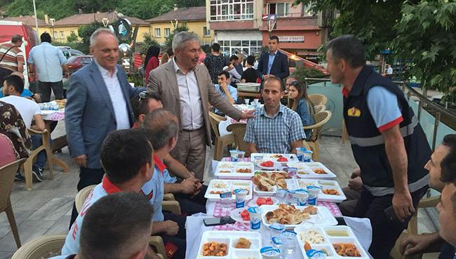 Başkan Yılmaz Belediye personeline iftar verdi