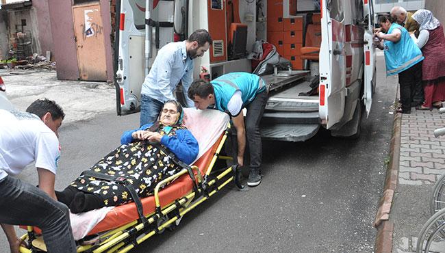 Oy kullanmaya ambulansla gittiler