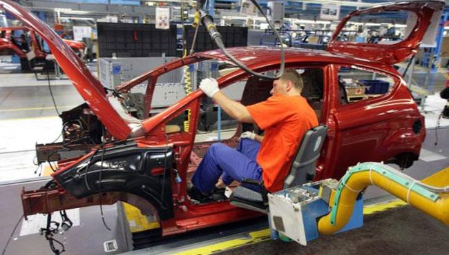 Otomobil fabrikası işçi alıyor!