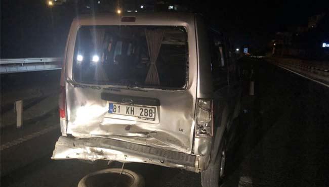 Otomobile arkadan çarptı: 1 Yaralı