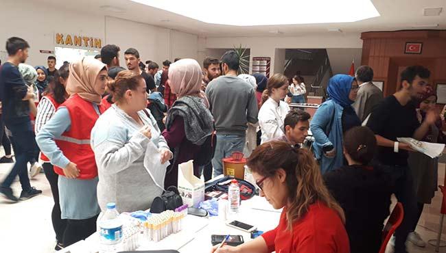 Üniversite'den Kızılay'a rekor destek