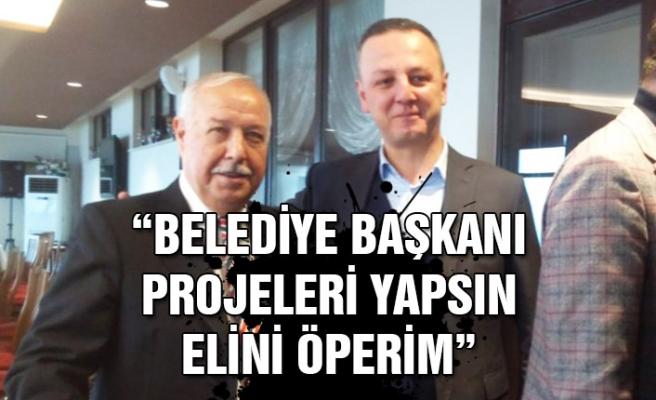 """Muharrem Akdemir: """"Belediye Başkanı projeleri yapsın elini öperim"""""""