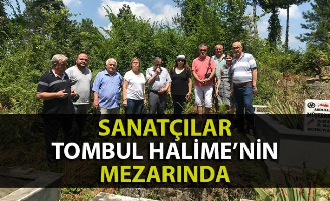 Sanatçılardan Tombul Halime'nin mezarına ziyaret
