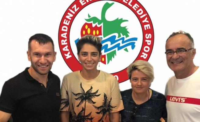 İki kadın futbolcu Ereğli Belediyespor'da devam edecek