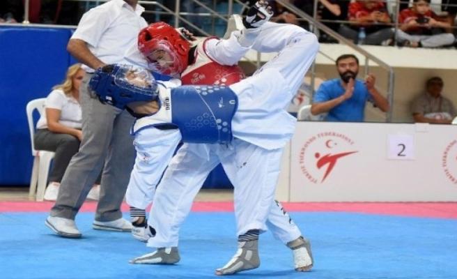 Önce Türkiye şampiyonu oldu, sonra bizi Avrupa'da ülkemizi temsil edecek