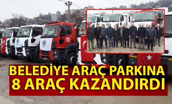 Belediye araç parkına 8 araç kazandırdı
