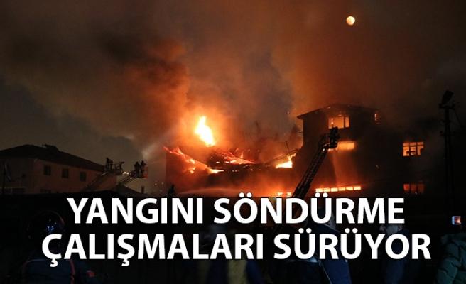 Sanayideki yangını söndürme çalışmaları sürüyor