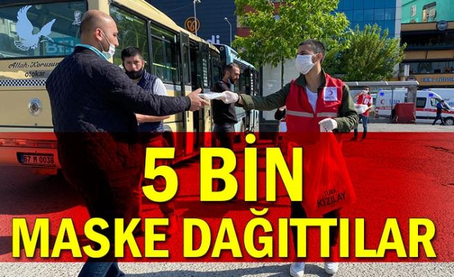 5 Bin maske dağıttılar