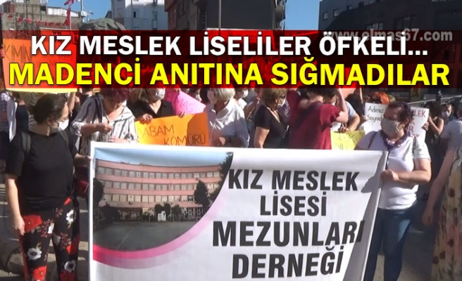 Kız Meslek Liseliler öfkeli... Madenci anıtına sığmadılar
