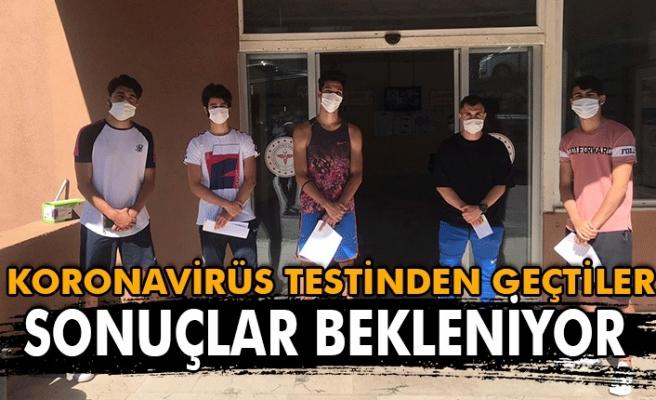 Koronavirüs testinden geçtiler. Sonuçlar bekleniyor.