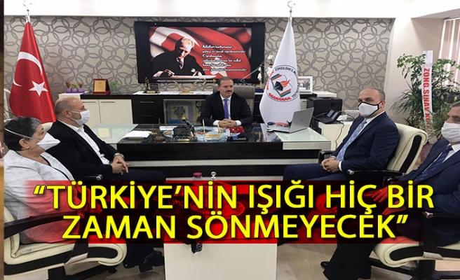 """""""Türkiye'nin ışığı hiç bir zaman sönmeyecek"""""""