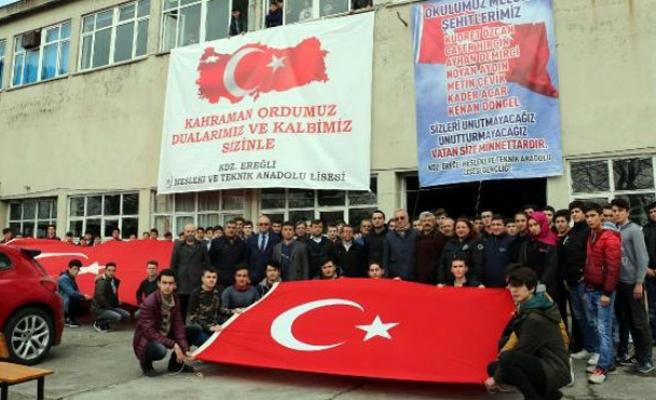 7 öğrencisini şehit veren okuldan Mehmetçiğe destek
