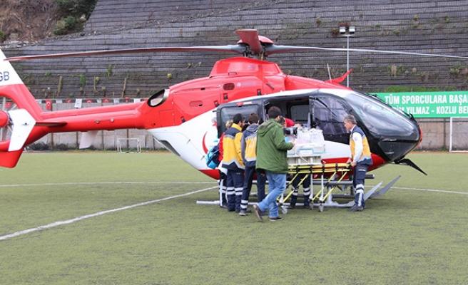 Ambulans helikopter onun için uçtu...