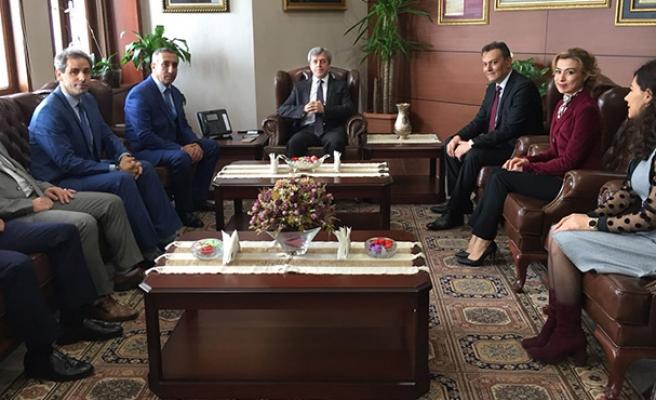 Vali Çınar'ı ziyaret ettiler...