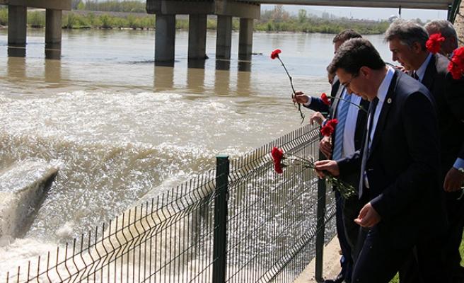 Çaycuma'daki köprü faciasında ölenler dualarla anıldı