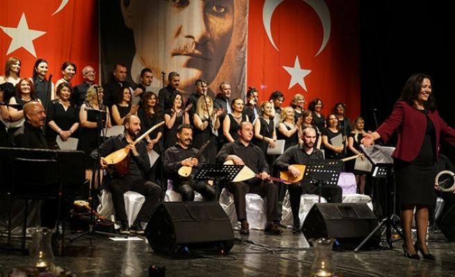 Yöreler, ozanlar, türküler sahnede dile geliyor...