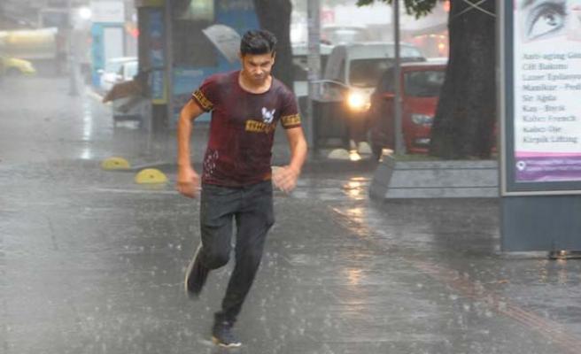 Meteoroloji uyarmıştı, sağanak yağış etkili oldu