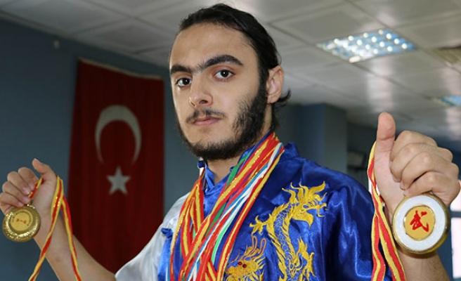 'Türkiye Bayrağı'nı Dünya'da yüceltmek istiyorum'