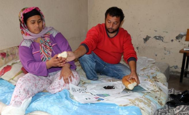Evlendiler, aileleri kabul etmedi şimdi kömürlükte yaşıyorlar