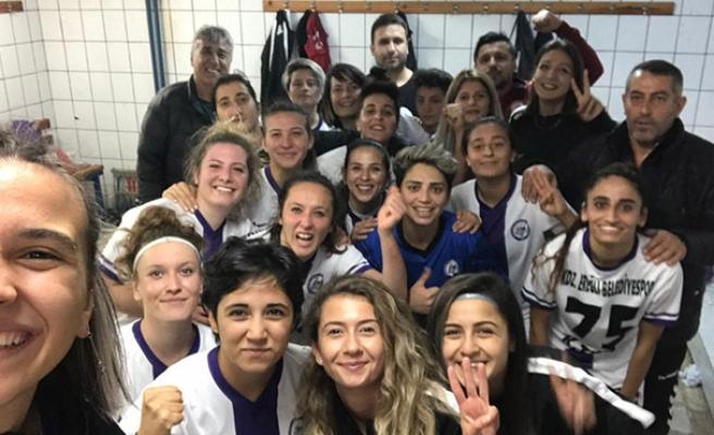 Kızlar İstanbul'da şov yaptı